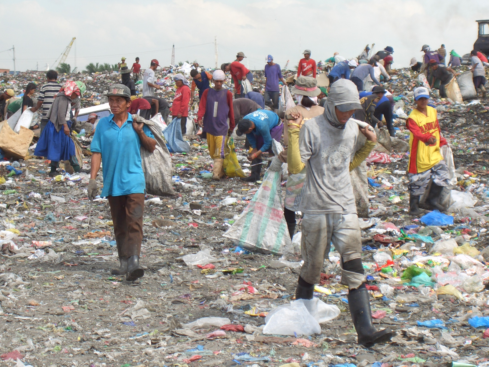 What are some subtopics i could talk about for recycling?
